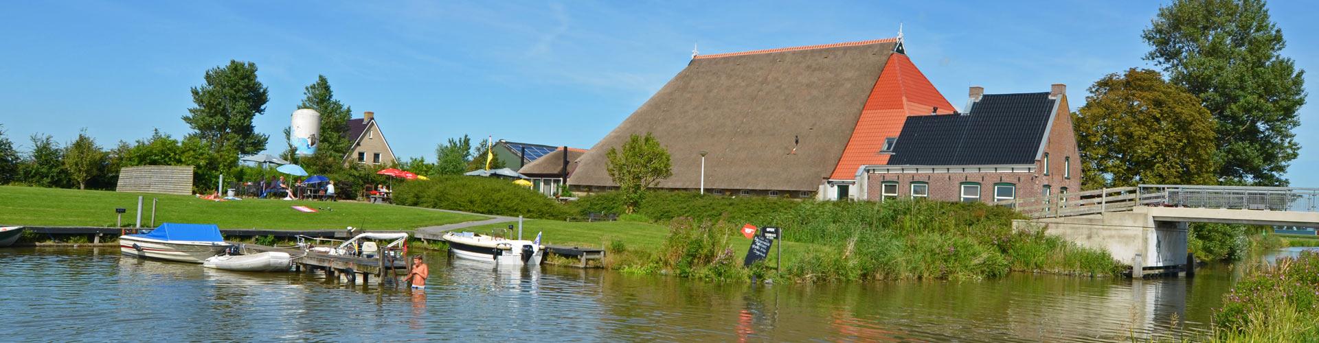 blikvaart-groepsaccommodatie-boerderijcamping-camping aan het water-vakantiewoning-friesland
